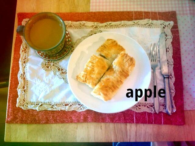 カフェオレとアップルパイ